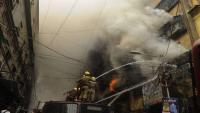أنقذت عشرات السكان من حريق ضخم وتوفيت بنيرانه !