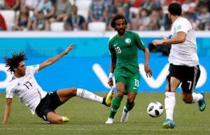 """السعودية تتغلب على مصر بـ""""2-1"""""""