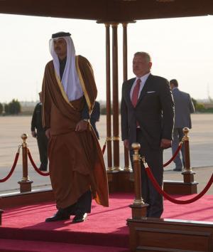 أمير قطر يوجه بـ 10 آلاف فرصة عمل جديدة للأردنيين