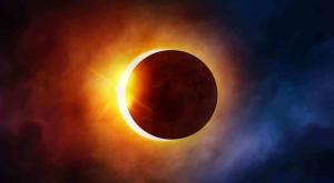 خسوف للقمر وكسوف للشمس بسماء المملكة