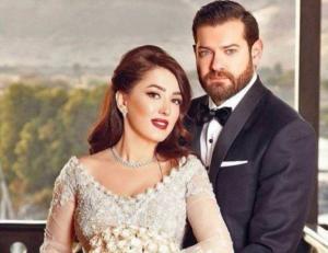 عمرو وكندة يحتفلان بعيد زواجهما (شاهد)