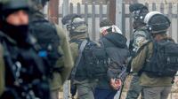 الاحتلال يعتقل 18 مواطناً من الضفة الغربية