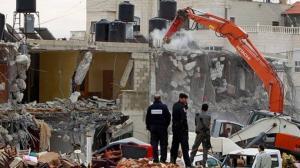 الإحتلال يهدم منازلا قرب بيت لحم