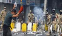 مقتل 4 متظاهرين عراقيين بقنابل غاز مسيلة للدموع وسط بغداد