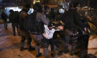 الليلة الاعنف في القدس ..  714 اصابة باقتحام الاحتلال للاقصى