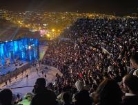 مئات الاشخاص لم يستطيعوا دخول حفل وسوف بسبب امتلاء المدرجات