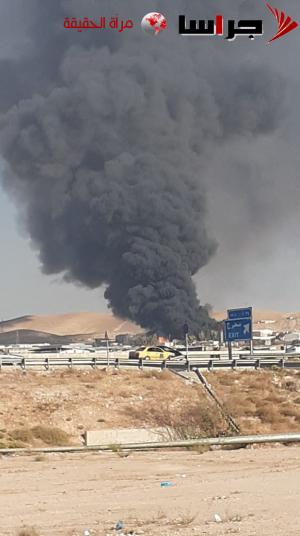 """حريق ضخم بمصنع على طريق أوتوستراد """"عمان الزرقاء """" - صور وفيديو"""