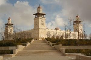 مطالب نيابية باستثناء بقية الصلوات يوم الجمعة من الحظر