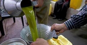 عمان: توقيف 4 اشخاص تورطوا ببيع زيت زيتون مغشوش