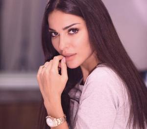 """فنانة جزائرية ستكون بديلة نادين نجيم في """" الهيبة 2"""""""