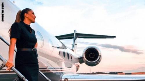 اعترافات مضيفة على متن طائرات خاصة ..  أسلحة وحفلات وجثث!