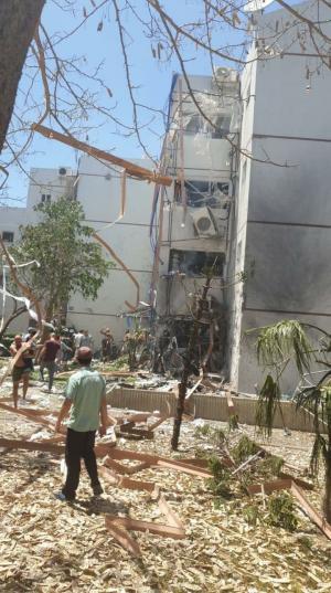 المقاومة تكثف صواريخها وتقصف مواقع عسكرية للاحتلال