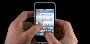 منافسة حادة بين مايكروسوفت وغوغل على أصابع مستخدمي آيفون