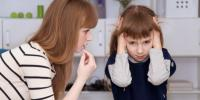 هكذا تساعدين طفلك على التعامل مع القلق الاجتماعي