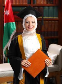 مبارك التخرج بتفوق د. عائشة عبد الكريم مساعده
