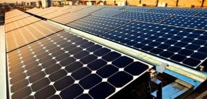 فائض الطاقة الشمسية يدفع تكلفته المواطن