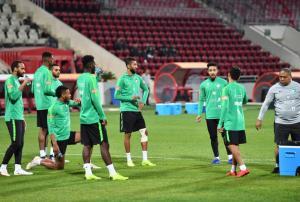 صافرة بحرينية تُدير مباراة السعودية ضد الأردن