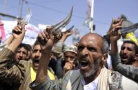 الحوثيون: نسيطر على مواقع داخل السعودية