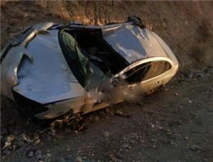 اصابة 3 اشخاص بتدهور مركبة في عبدون