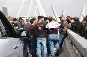 خريجو الثانوية التركية يعتصمون على جسر عبدون (صور وفيديو)