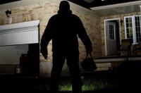 القبض على شخص سرق 13 الف دينار من شركة بالكرك