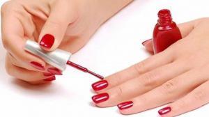 أخطاء شائعة تفعلها عاملات صالونات التجميل