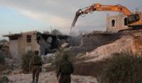 الاحتلال يهدم منزلين جنوبي الضفة الغربية