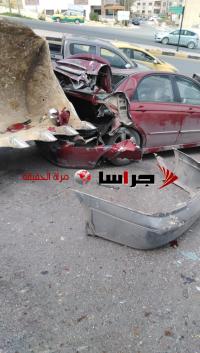 """""""جرافة"""" تصدم 5 مركبات في أبو نصير (فيديو وصور)"""