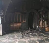مستوطنون يحرقون مسجدا في القدس (صور)