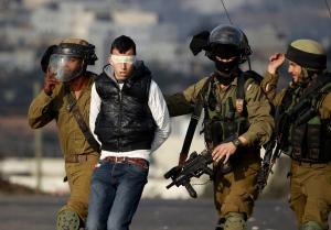 الاحتلال يعتقل 3 شبان تسلّلوا من غزة