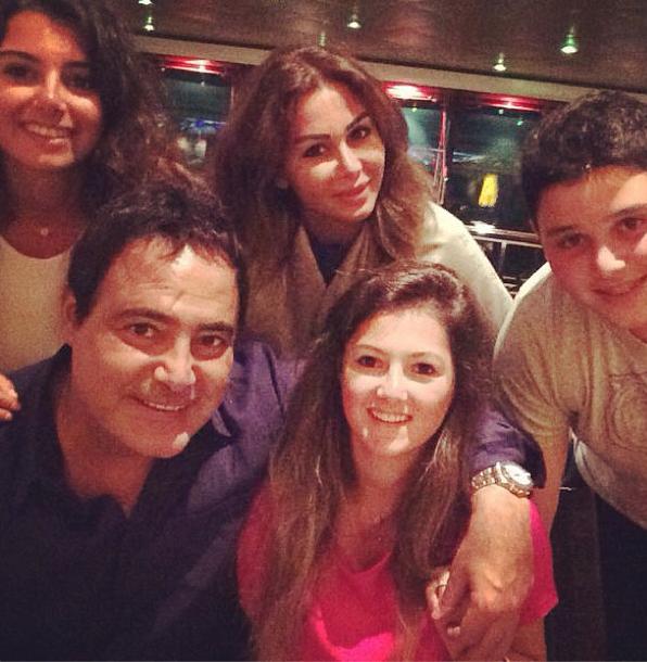عاصي وعائلته على متن باخرة Image