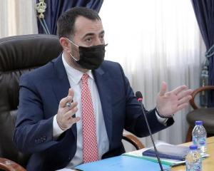 مذكرة نيابية تطالب الحكومة بعدم رفع المحروقات