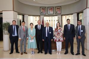 """وفد أكاديمي كازاخستاني يزور """"الشرق الأوسط"""""""