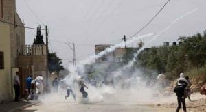 الاحتلال يقمع مظاهرة برام الله وإصابة فلسطيني بانفجار في جنين