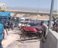 اصابتان بتصادم مركبتين في الزرقاء
