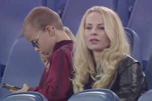زوجة إبراهيموفيتش تتوقف عن مشاهدة مبارياته