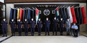 الحواتمة يقلد الرتب الجديدة لكبار ضباط الأمن