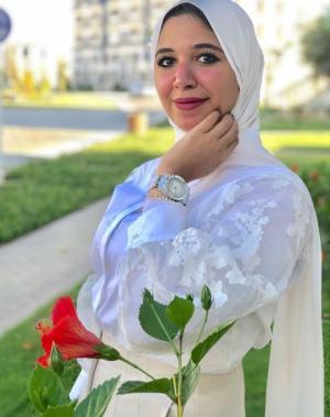 يوتيوبر مصرية تدخل العناية المركزة