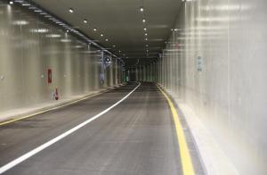 افتتاح أطول نفق مروري بالأردن