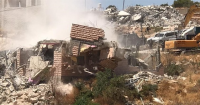 الاحتلال يشرد العشرات ويزرع متفجرات في وادي الحمص