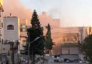 فيديو: الاحتلال يفجر منزل عائلة ابوحميد