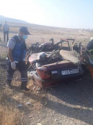 بالصور  ..  4 وفيات بحادث تصادم مروع على الطريق الصحراوي