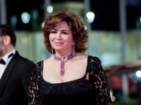 إلهام شاهين: أفسدت خطوبة شقيقتي من عمرو دياب (شاهد)