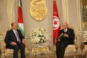 الملقي ينقل رسالة خطية من الملك للرئيس التونسي