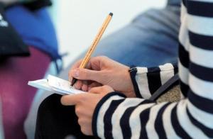 هنغاريا تنوي زيادة حصة الاردن من المنح الدراسية