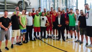 ولي العهد يفاجئ منتخب السلة (فيديو)