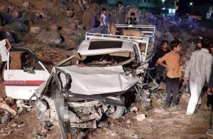 وفاة واصابتان بحادث تصادم في المفرق (صور)