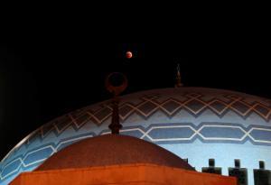 40 ساعة خدمة مجتمعية لسارق مسجد