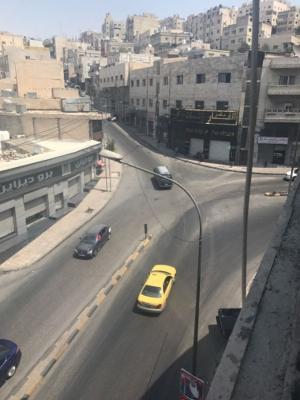 انزلاقات في شوارع عمان وتحويل السير