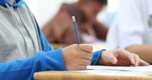 تفاصيل تعيين مراقبي الصحة على المدارس